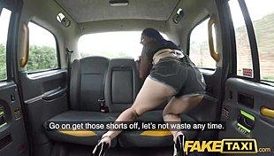 Afrodity Horúce lesbičky si užívajú aj s vibrátorom - Dlhé online porno videá zdarma.